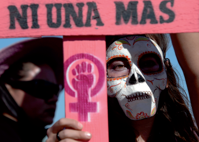 Mesa Redonda Feminicidio-crimen organizado_Page_1